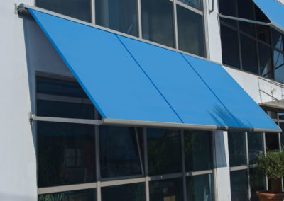 awning with arm2